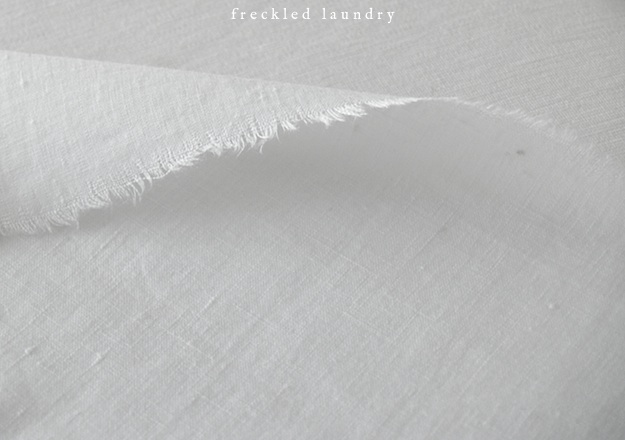 freckled+laundry+how+to+iron+linen+get+wrinkles+out+of+linen+easy+tutorial+AFTER.jpg
